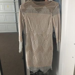 Dresses & Skirts - Lace Bodycon